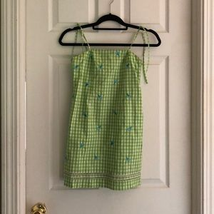 Green girls dress with ice cream on dress